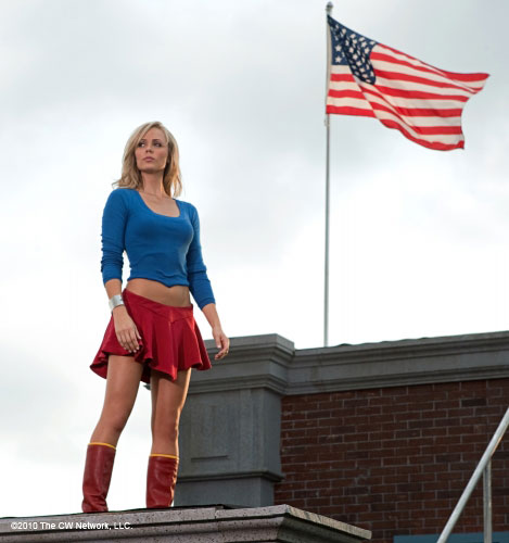 Laura Vandervort is SUPERGIRL